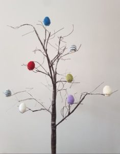 Handmade Knitted Eggs Tree Decoration Fitting in Knitting Children Quick Craft Ideas