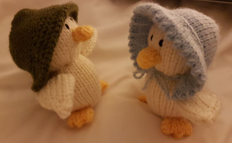 Handmade Gift idea knitted ducks fitting in knitting