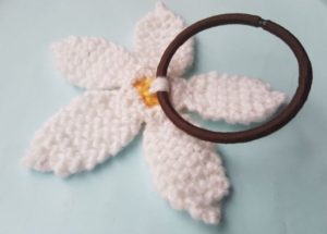 Handmade Knitted Daisy Hairband Fixing Fitting in Knitting Children Quick Craft Ideas
