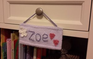 Handmade Knitted Door Plaque Hanging Fitting in Knitting Children Quick Craft Ideas