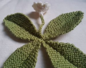 Handmade Knitted Primrose Joining Leaves Fitting in Knitting Children Quick Craft Ideas