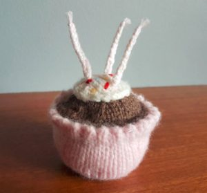 Handmade Birthday Cupcake Finished Top Fitting in Knitting Children Craft Ideas