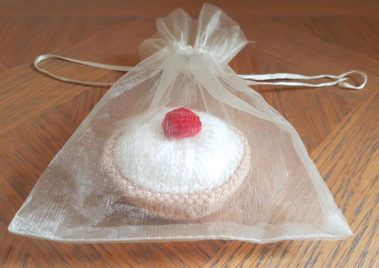 Handmade Bakewell in Organza Bag Fitting