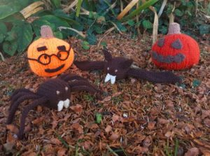 Handmade Knitted Bat Knitted Spider Knited Pumpkin Halloween Collection 2 Fitting in Knitting Children Craft Ideas