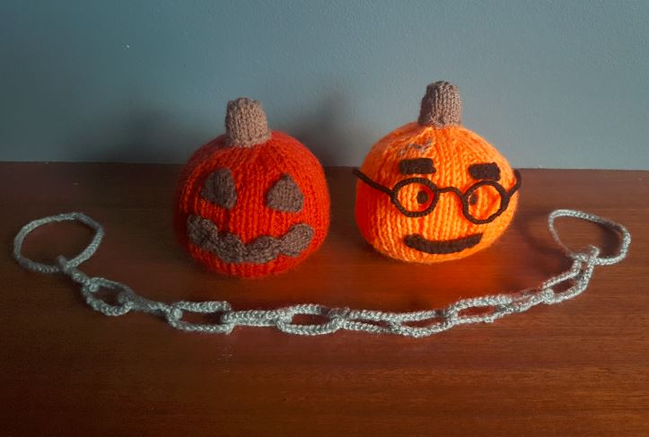 Handmade Knitted Halloween Pumpkins Fitting in Knitting Children Craft Ideas