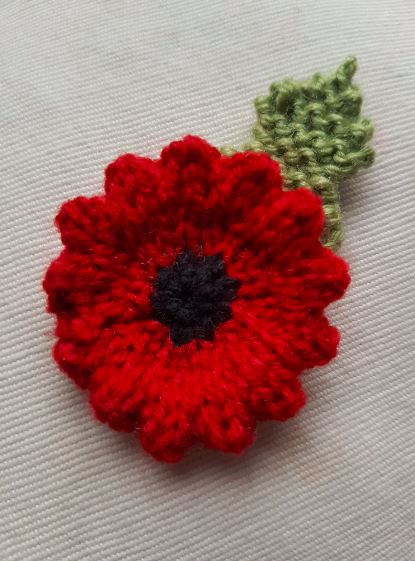 Handmade Knitted Poppy Wavy Completed Fitting in Knitting Children Craft Ideas
