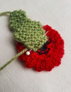 Handmade Knitted Poppy Wavy Sewing Leaf Fitting in Knitting Children Craft Ideas