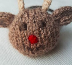 Handmade Knitted Reindeer Face Fitting in Knitting Children Quick Craft Ideas