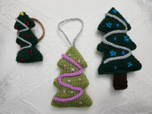 Handmade Knitted Christmas Trees Fitting-in-Knitting